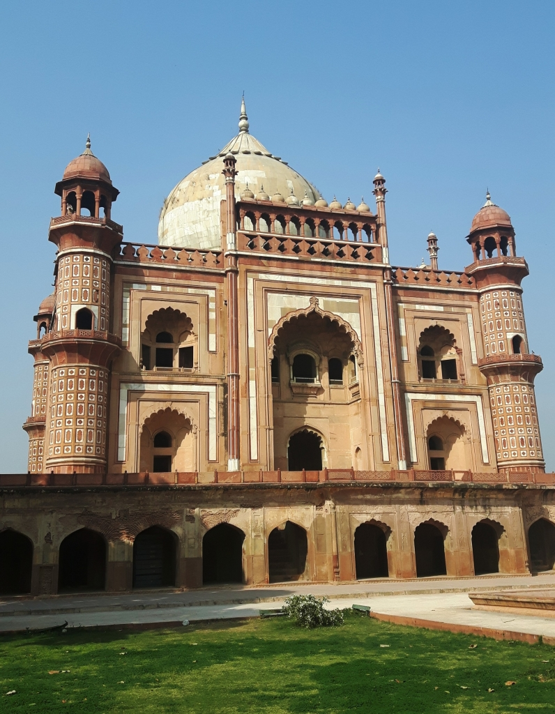 On a day of succeessful siteseeing I visited the Tomb of Safdarjung