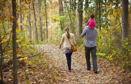parents-daughter-walking